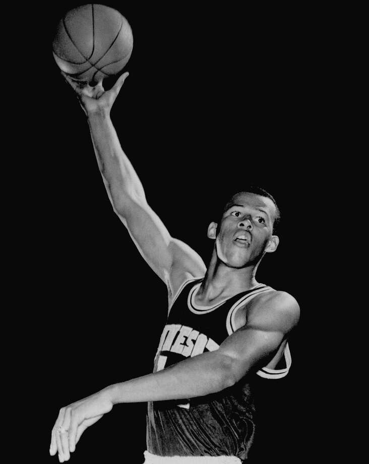 Lou Hudson, who played at Minnesota, averaged 20.2 points over 13 NBA seasons. Photo: Associated Press