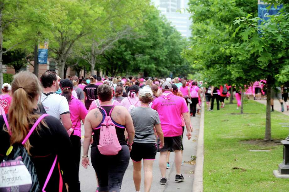 Walkers in good spirits during the 2nd leg of the Avon Walks for Breast Cancer Houston at the Avon Walk Wellness Village, Rice University. More than 1400 participants signed up for this year's event. Photo by Pin Lim. Photo: Pin Lim, For The Chronicle / Copyright Pin Lim.
