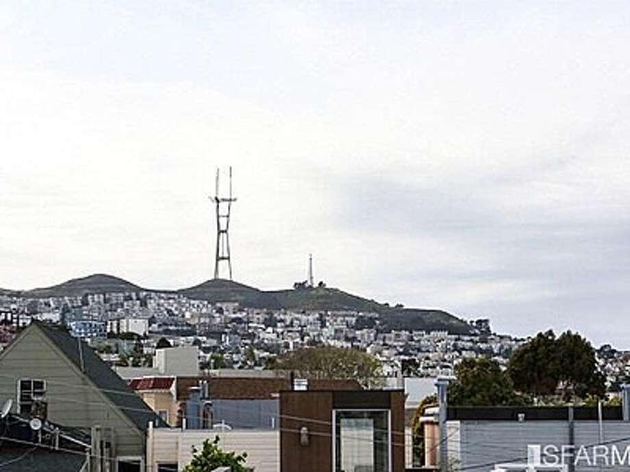 Views of Sutro Tower Photo: MLS