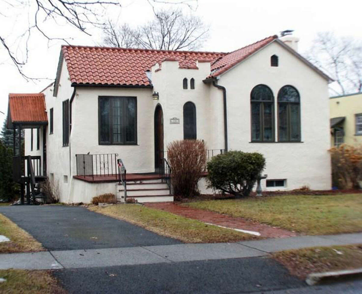 Click through to look inside homes on the market near the median price for the Capital Region. For more homes, visit our real estate section. $194,900 .14 ROSEMONT ST, Albany, NY 12203.View this listing.