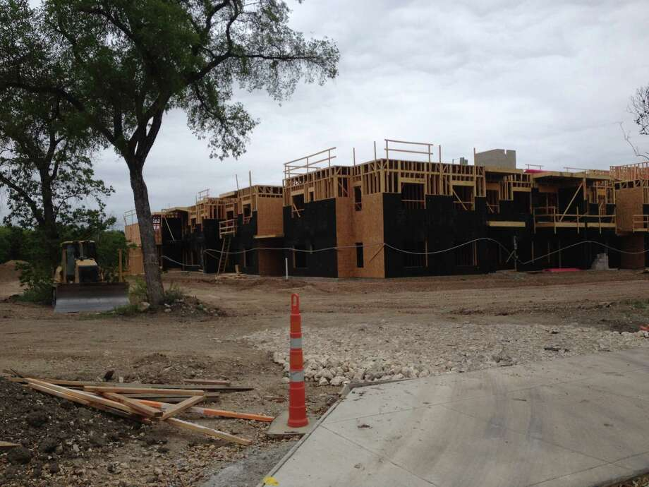 Bakke Development Corp. is building Urban Crest, a luxury apartment complex, along Harry Wurzbach in the San Antonio neighborhood of Oak Park/Northwood. It sits at the former El Chaparral apartment complex site. Photo: Courtesy Photo