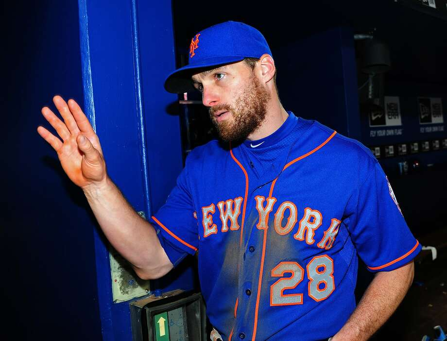 Mets second baseman Daniel Murphy was criticized on talk radio for taking three days off when his son, Noah, was born. Photo: Scott Cunningham, Getty Images
