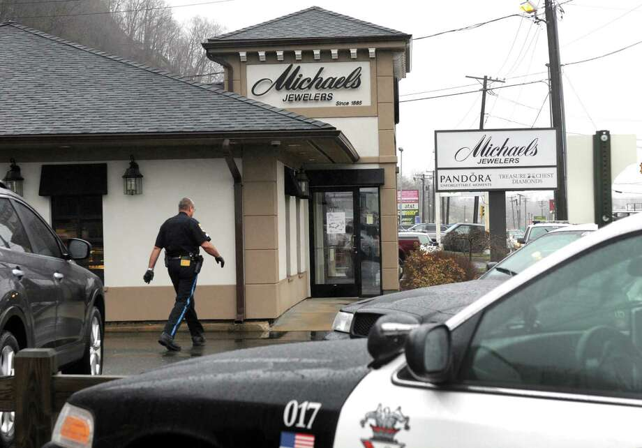 Michael's Jewelers on Federal Road in Danbury was held up Tuesday morning, April 15, 2014. Photo: Carol Kaliff / The News-Times