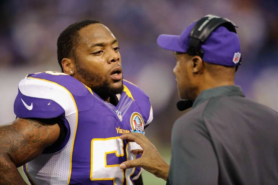 Former Minnesota Vikings linebacker Erin Henderson was arrested on New Year's Day in Chanhassen, Minnesota on suspicion of drunken driving. His second arrest related to DUI in six weeks, Henderson was released by the Vikings on February 7. Photo: Hannah Foslien, Getty Images