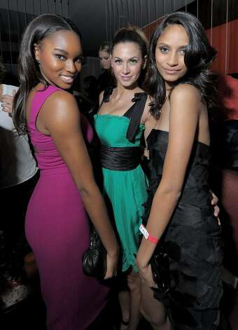 LAS VEGAS - FEBRUARY 10:  Sports Illustrated swimsuit model Damaris Lewis, model Melissa Satta and Sports Illustrated swimsuit model Sonia Dara attend the Sports Illustrated Swimsuit 24/7: SI Swimsuit On Location at Jet Nightclub at The Mirage on February 10, 2010 in Las Vegas, Nevada.  (Photo by Michael Loccisano/Getty Images for Sports Illustrated) *** Local Caption *** Damaris Lewis;Melissa Satta;Sonia Dara Photo: Michael Loccisano, Getty Images For Sports Illustra / 2010 Getty Images