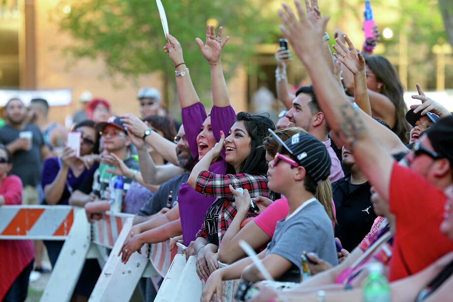 70,000 attendeesto the 2014 Oyster Bake. Photo: For The San Antonio Express-News