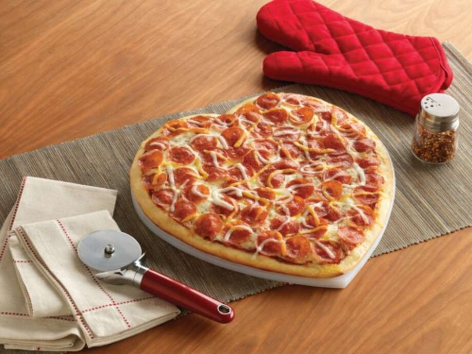 Papa Murphy'sFreebie: A large pepperoni pizza for $5. Photo: Polara Studio, PR NEWSWIRE / ©2011 Polara Studio