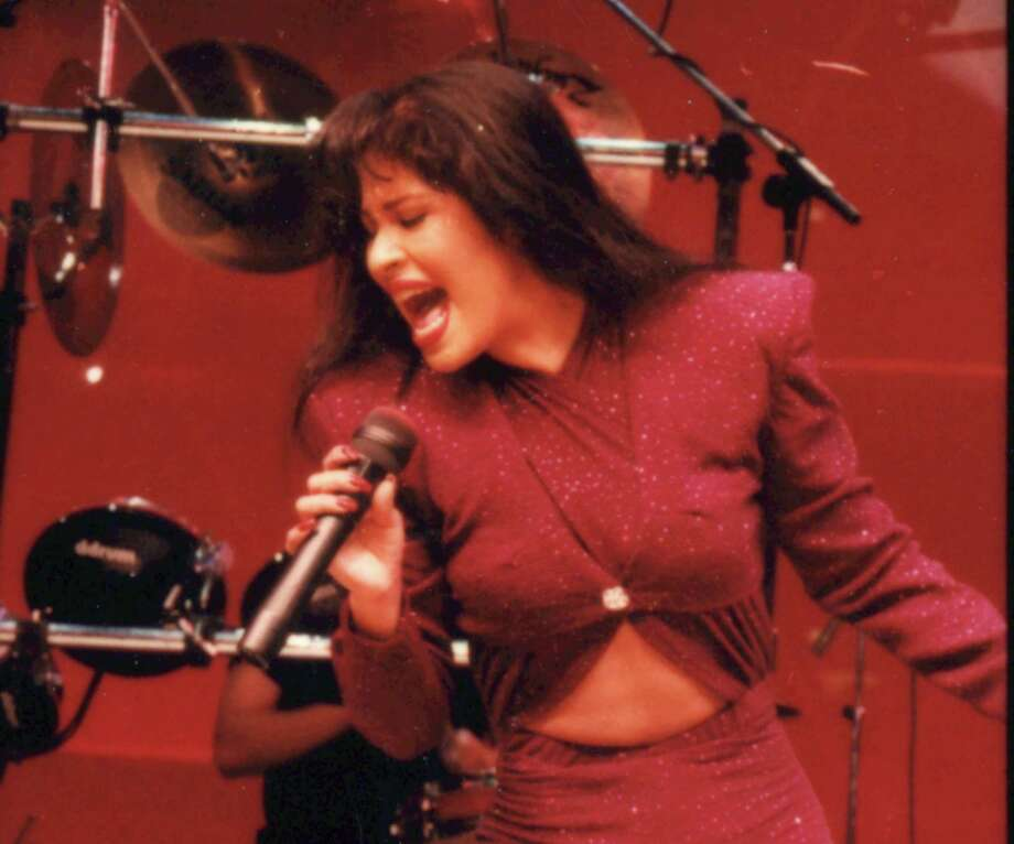 02/26/1995 - Tejano singer Selena performs at the Astrodome during the Houston Livestock Show and Rodeo.  Photo: John Everett, HC Staff / Houston Chronicle