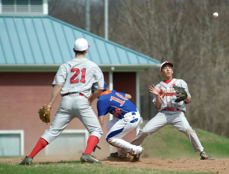 Greenwich High School faced Danbury High School in FCIAC boys baseball on Monday, April 14, 2014, in Danbury, Conn. Photo: H John Voorhees III / The News-Times Freelance