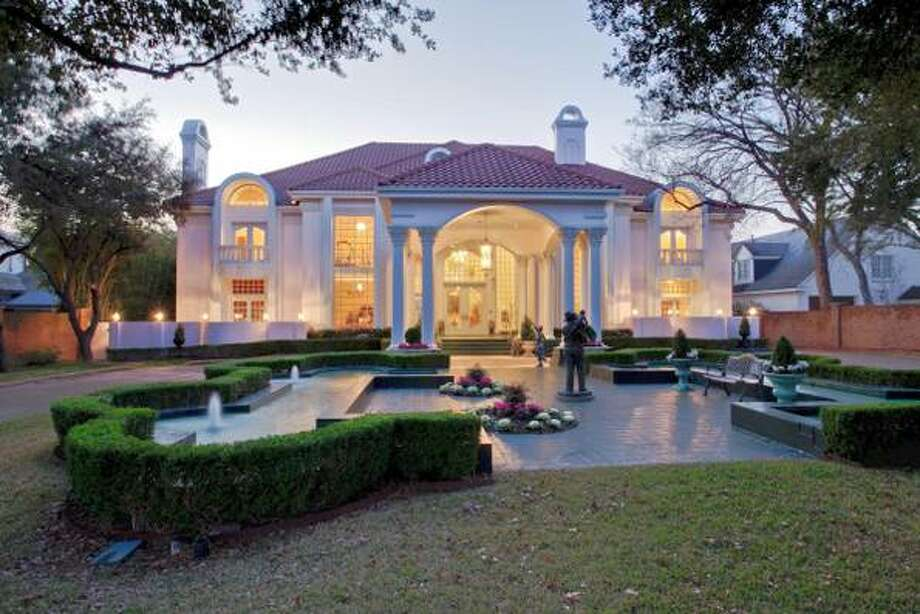 Pink Mary Kay Mansion In Dallas Sells For Significantly