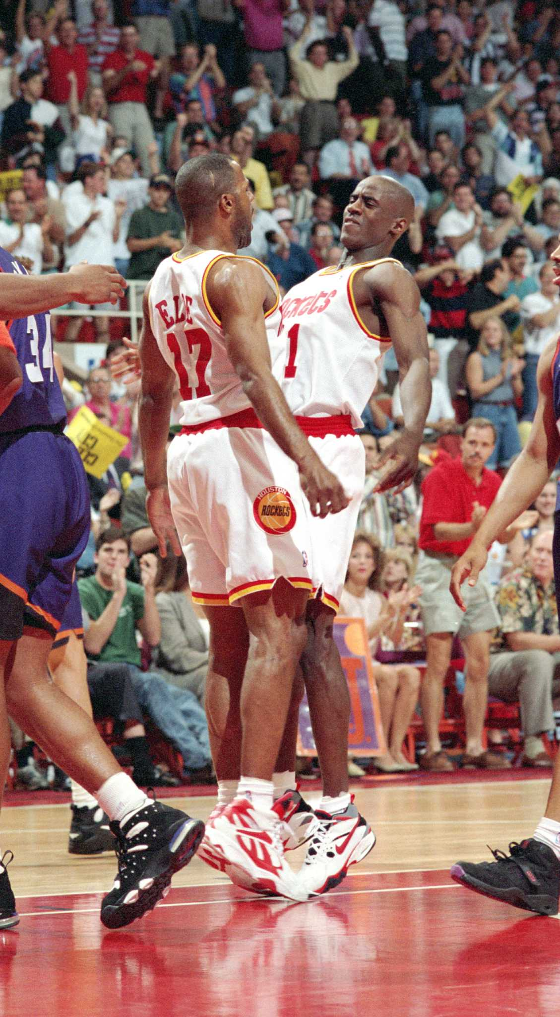 Maxwell s big shots ring true 20 years after Rockets title