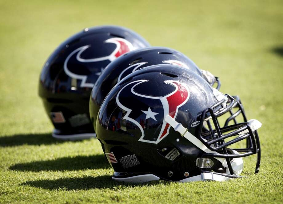 Houston Texans: 0 arrests (since 2010)  No Texans player has been arrested or charged since fullback Vonta Leach was charged with assault for an alleged fight at a restaurant near his hometown in June 2009 in North Carolina. Photo: Bob Levey, Getty Images