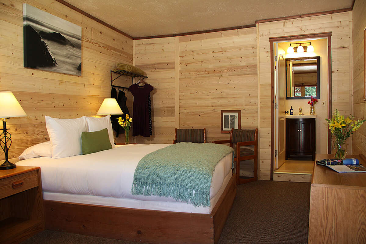 Big Sur River Inn: The main lodge has four two-room riverside suites, and there's also a contemporary motel-style building with additional rooms.