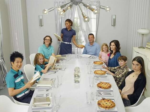 Troubled from the start, some might be surprised to hear 'The Neighbors' lasted for so long. ABC canceled its 'Third Rock from the Sun'-esque show after two seasons in April. Photo: Bob D'Amico, ABC / © 2012 American Broadcasting Companies, Inc. All rights reserved.