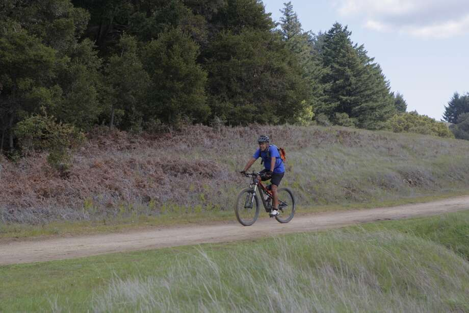 Long Ridge Road is excellent for mountain biking, accessed from the south, not gate at Skyline Photo: Tom Stienstra