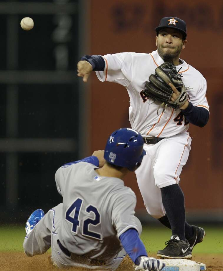 Nori Aoki is out at second. Photo: Melissa Phillip, Houston Chronicle