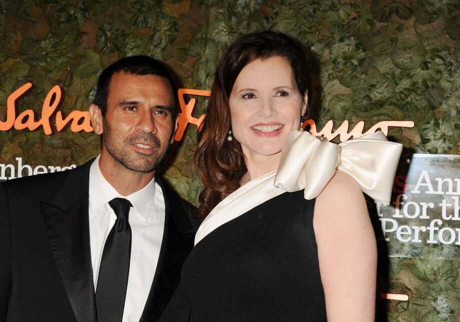 Geena Davis and Reza Jarrahy (Age difference: 15 years)