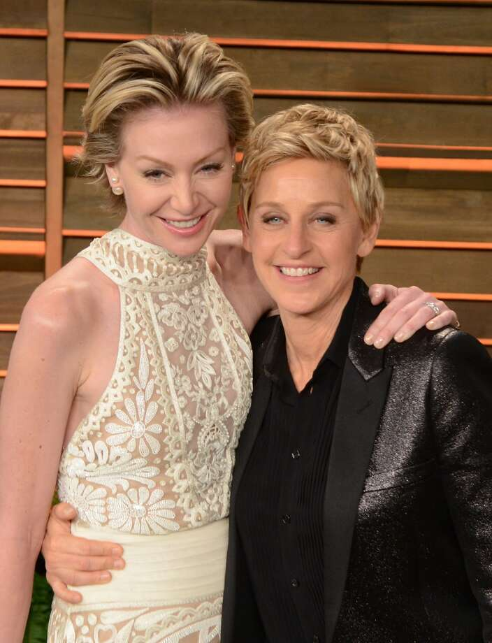 Ellen DeGeneres and Portia de Rossi (Age difference: 15 years) When de Rossi was born in 1973, DeGeneres was living in Louisiana with her parents, who were getting a divorce. Photo: C Flanigan, WireImage