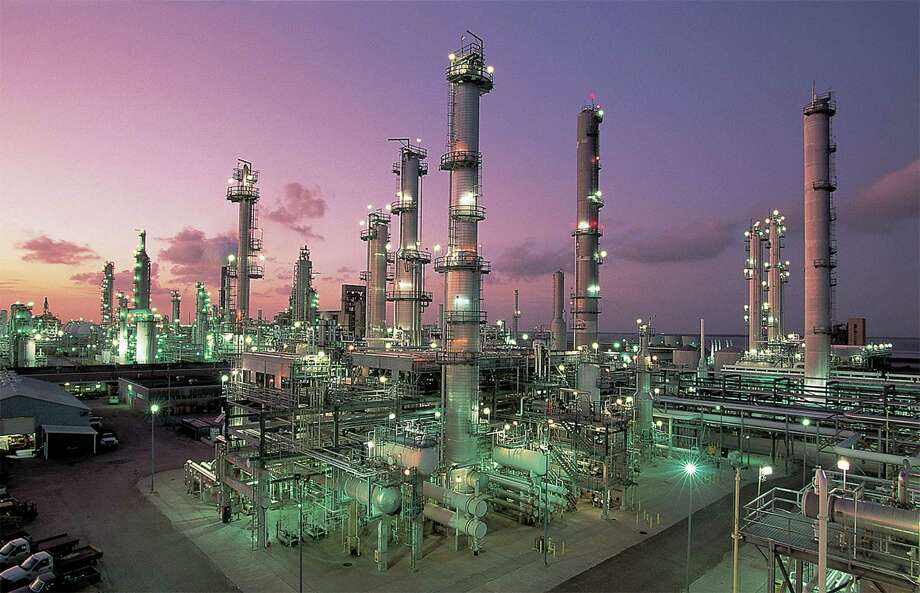 Valero Energy Corp., which operates this refinery in .Corpus Christi, has stopped importing light, sweet crude because of the growing domestic supply. (Valero Energy photo) Photo: Courtesy Photo
