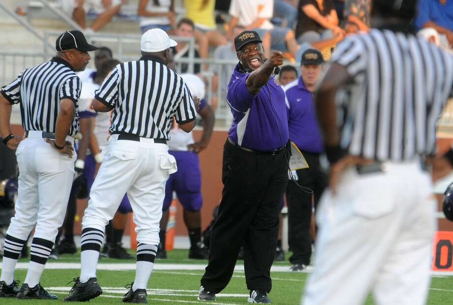 "Galveston Ball's David Suggs argues a call by the refs during the game against Central at the Carrol A. ""Butch"" Thomas Educational Support Center in Beaumont, Saturday. Tammy McKinley/The Enterprise Photo: TAMMY MCKINLEY / Beaumont"