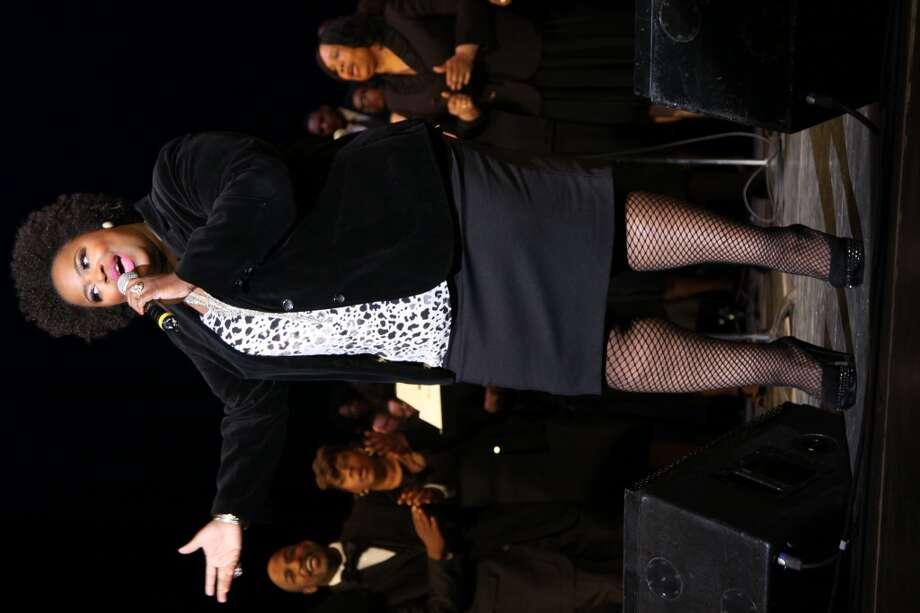 Singer Crystal Aikin