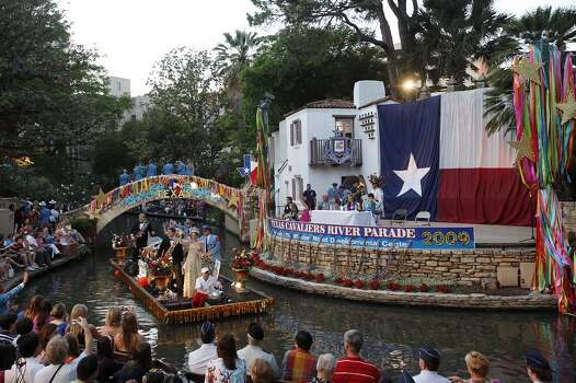 The Order of the Alamo float makes it by the Arneson Theater during the 2009 Texas Cavaliers River Parade, Monday, April 20, 2009 JERRY LARA/glara@express-news.net Photo: Jerry Lara, Express-News
