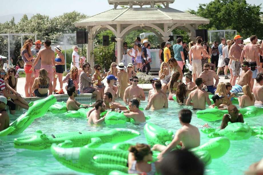 Lacoste pool party Photo: Chris Weeks, Getty Images For LACOSTE / 2014 Getty Images