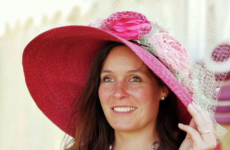 Easter: Wear a straw Easter bonnet Photo: Dirk Freder, Getty Images / (c) Dirk Freder