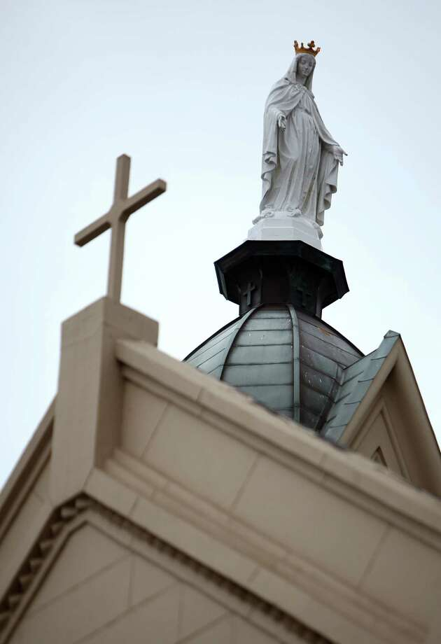 The newly restored St. Mary Cathedral Basilica will reopen Easter Sunday on April 17, 2014, in Galveston, Tx. Photo: Mayra Beltran, Houston Chronicle / © 2014 Houston Chronicle
