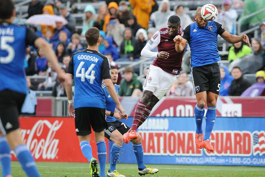 Quakes defender Victor Bernardez heads the ball against Colorado. Photo: Bart Young, Colorado Rapids