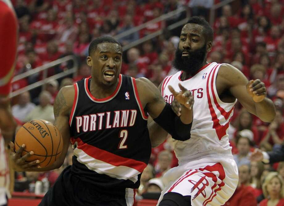 Trail Blazers guard Wesley Matthews left, and Rockets guard James Harden. Photo: James Nielsen, Houston Chronicle