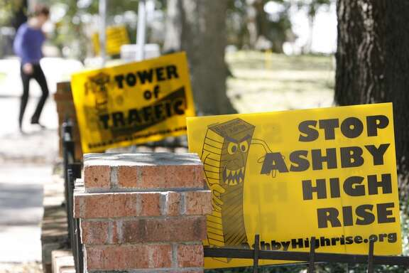 Sign against the proposed Ashby High-rise development is shown along Bissonnett Boulevard near Ashby  Tuesday, March 4, 2008, in Houston. ( James Nielsen / Chronicle )