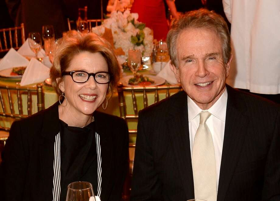 Warren Beatty and Annette Bening (Age difference: 21 years)