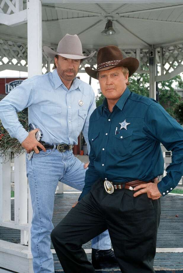 Lee Majors (right) guest stars as Sheriff Bell, a crooked small town Sheriff whom Cordell Walker (Chuck Norris) must bring to justice. Photo: RICHARD TWAROG, CBS