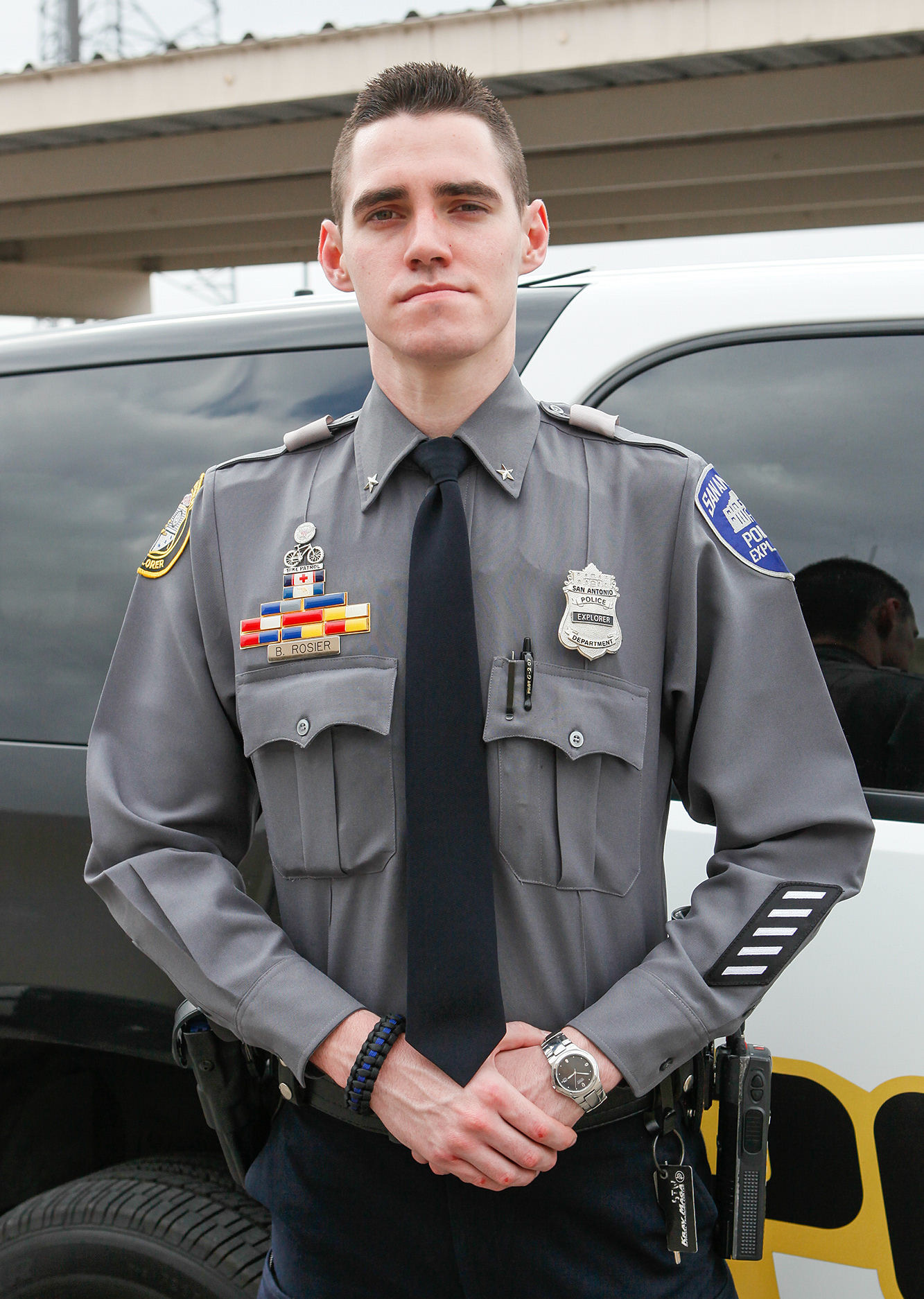 Explorer honored for saving woman's life during last year's