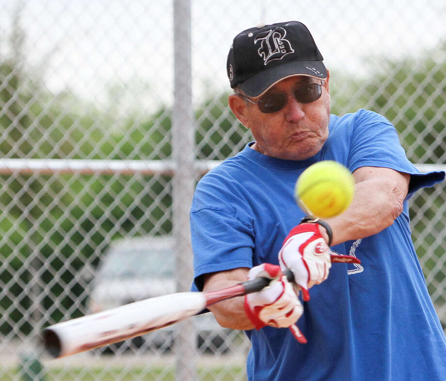 Softball helps seniors stay healthy - San Antonio Express-News