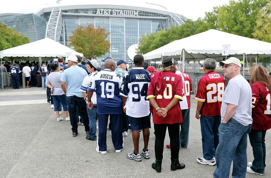 America's Least-Funniest Cities5. Arlington Photo: Edward A. Ornelas, San Antonio Express-News / © 2012 San Antonio Express-News