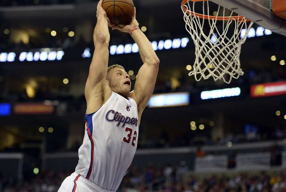 Apr 21, 2014; Los Angeles, CA, USA; Los Angeles Clippers forward Blake Griffin (32) dunks against the Golden State Warriors during the third quarter in game two during the first round of the 2014 NBA Playoffs at Staples Center. Mandatory Credit: Richard Mackson-USA TODAY Sports Photo: Richard Mackson, Reuters