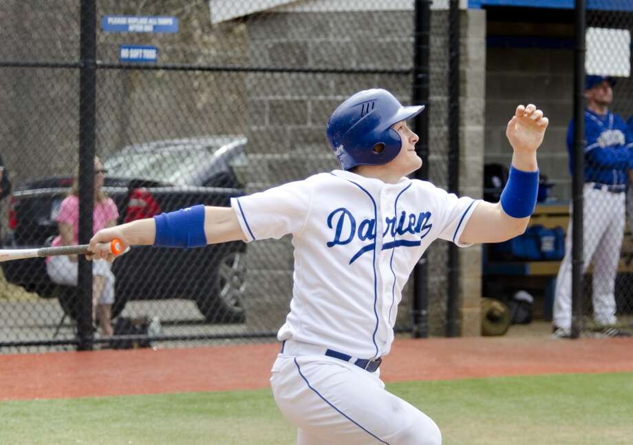 Darien's Peter Archey (7) at bat during the baseball game against Fairfield Ludlowe at Darien High School on Monday, Apr. 14, 2014. Photo: Amy Mortensen