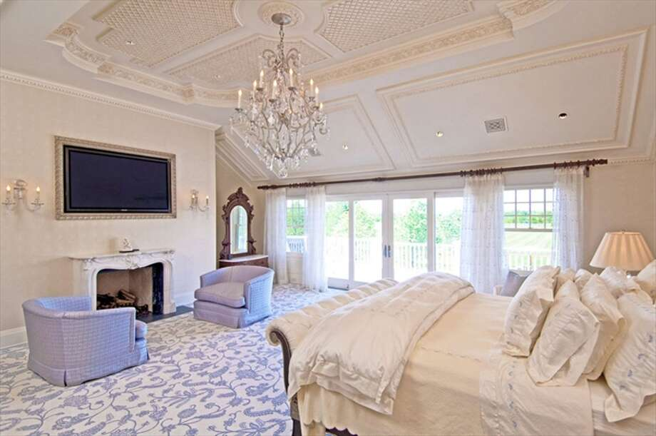 The 2,800-square-foot master bedroom, one of 8 en-suite bedrooms in the home Photo: The Corcoran Group