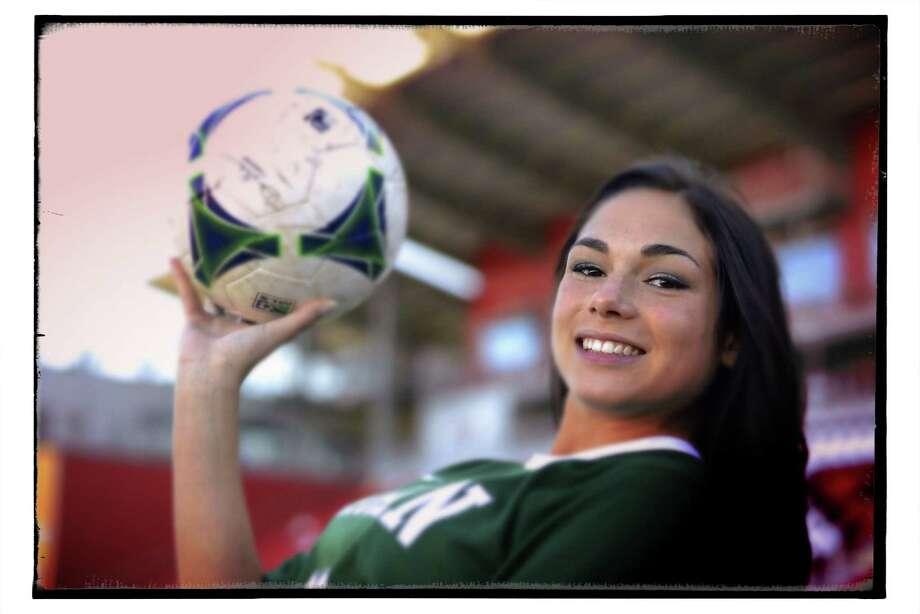 Girls soccer player of the year: Sophia Acevedo, Reagan junior forward. Photo: Billy Calzada, San Antonio Express-News / San Antonio Express-News
