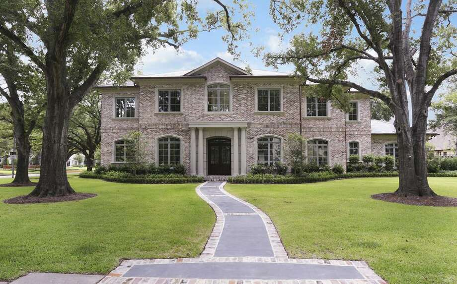 5507 Lynbrook: This 2012 home has 5 bedrooms, 6 full and 2 half bathrooms, 8,934 square feet, and is listed for $5,470,000. Photo: Houston Association Of Realtors