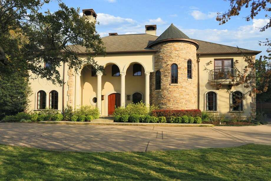 1039 Kirby: This 2003 home has 5 bedrooms, 5 full and 2 half bathrooms, 8,458 square feet, and is listed for $4,750,000. Photo: Houston Association Of Realtors