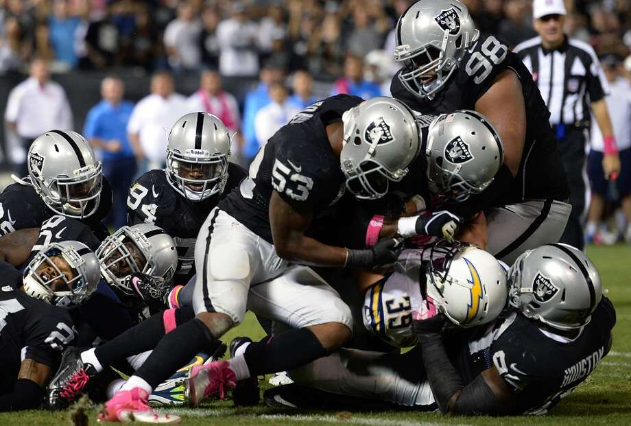 26. Oakland Raiders337,300 average monthly player searches  Top five players: FS Charles Woodson (74,000)QB Matt Schaub (60,500)RB Darren McFadden (60,500)CB D.J. Hayden (33,100)DE Justin Tuck (18,100) Photo: Thearon W. Henderson, Getty Images