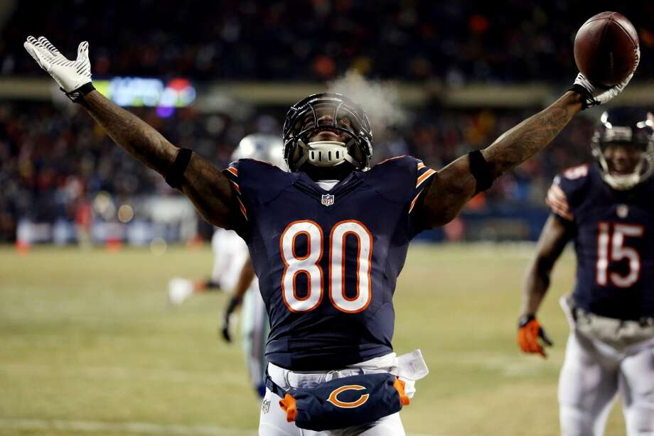 12. Chicago Bears608,260 average monthly player searches  Top five players:QB Jay Cutler (368,000)RB Matt Forte (40,500)RB Kyle Long (40,500)WR Alshon Jeffery (40,500)TE Martellus Bennett (33,100) Photo: Jonathan Daniel, Getty Images
