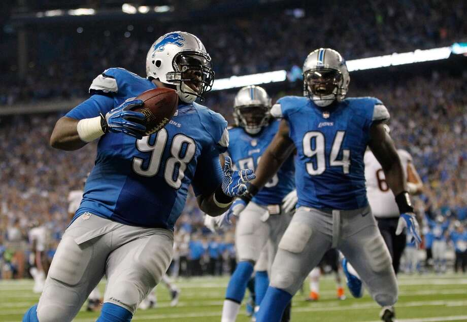 8. Detroit Lions634,960 average monthly player searchesTop five players:RB Reggie Bush (246,000)WR Calvin Johnson (165,000)QB Matthew Stafford (49,500)WR Golden Tate (49,500)DT Ndamukong Suh (40,500) Photo: Gregory Shamus, Getty Images