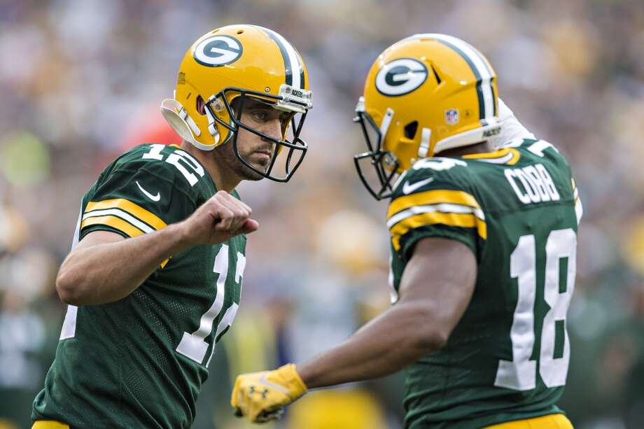 6. Green Bay Packers970,700 average monthly player searches  Top five players:QB Aaron Rodgers (450,000)LB Clay Matthews (135,000)RB Eddie Lacy (135,000)WR Jordy Nelson (60,500)WR Randall Cobb (60,500) Photo: Wesley Hitt, Getty Images