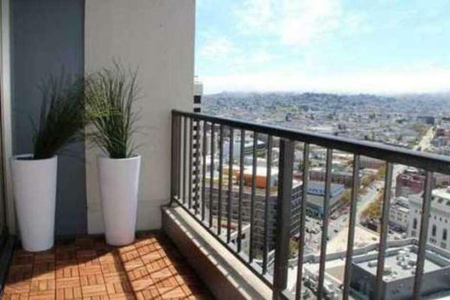 Deck! Photos via Apartment List.com