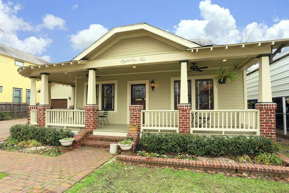 812 East 27th: This 1920 home has 4 bedrooms, 3 bathrooms, 3,396 square feet, and is listed for $1,100,000. Photo: Houston Association Of Realtors