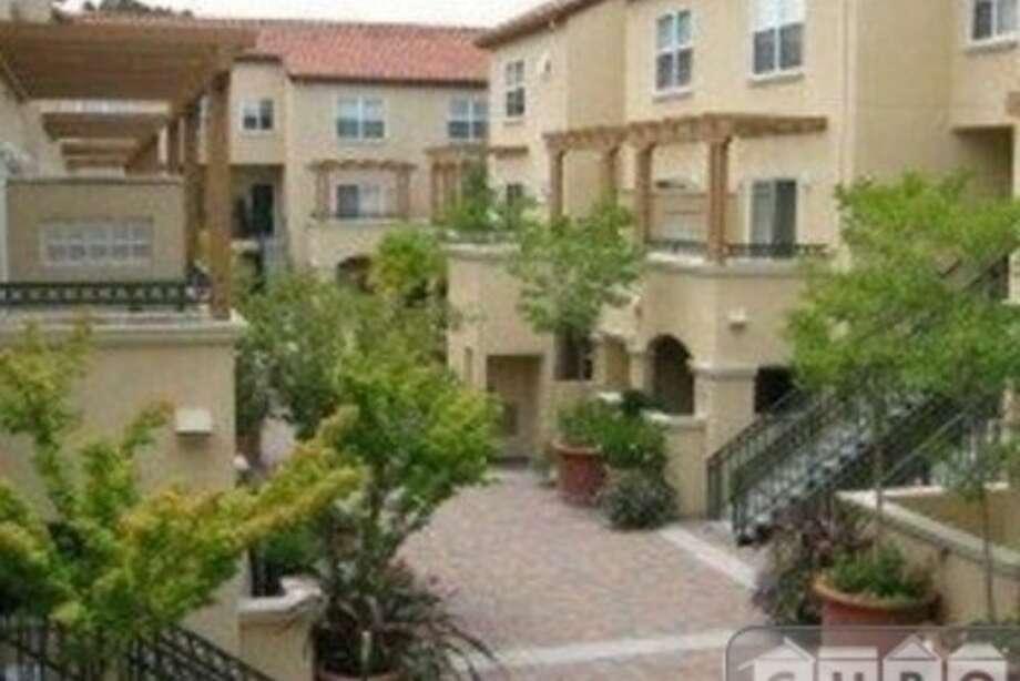 The complex. Photos via Apartment List.com
